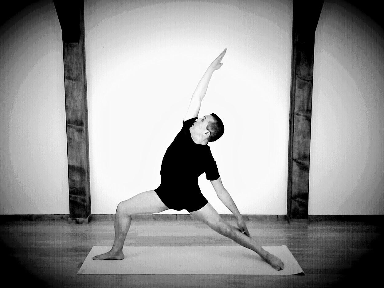 Yoga avec Akli Hallaf